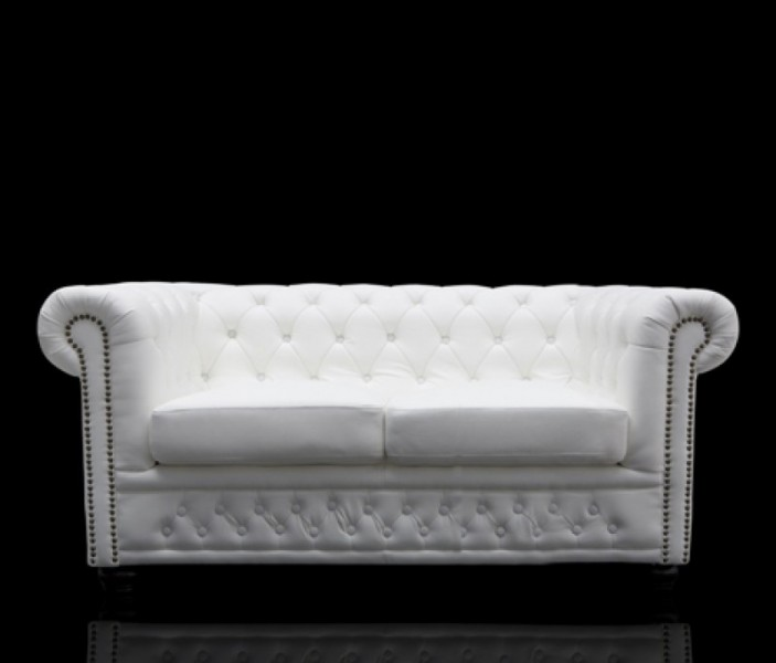 chesterfield 2er sofa weiss aus dem hause casa padrino 12547 sofas. Black Bedroom Furniture Sets. Home Design Ideas